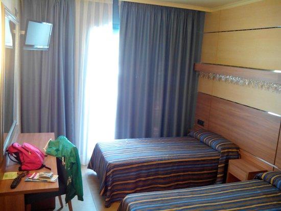 Hotel Alhambra: Habitación