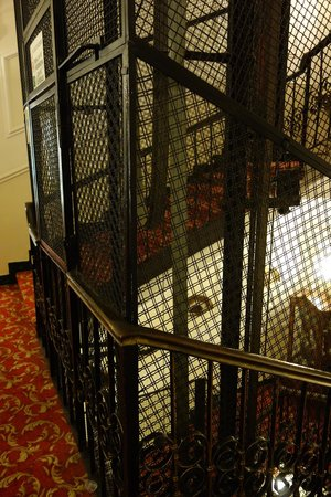 Hotel Andreotti : elevator