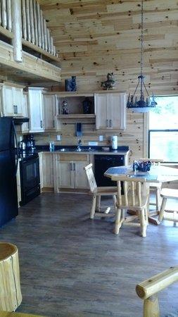 Brown's Bay Resort: Kitchen of Bear