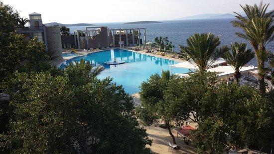 Kervansaray Resort: Вид на бассейн
