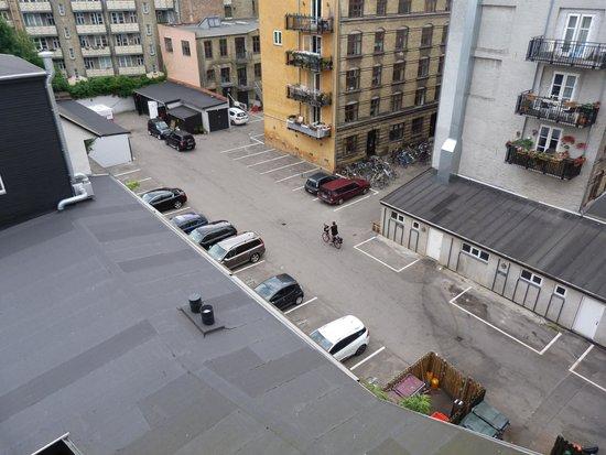 66 Guldsmeden - Guldsmeden Hotels: the view from our balcony with vent below