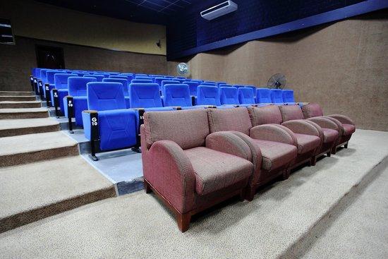 Crossroads Hotel: Auditorium