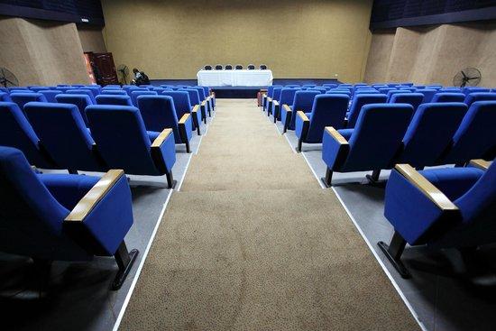 Crossroads Hotel: Auditorium 2