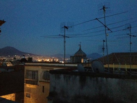 Zia Maria Home : Vesubio and rooftop view from the B&B's terrace