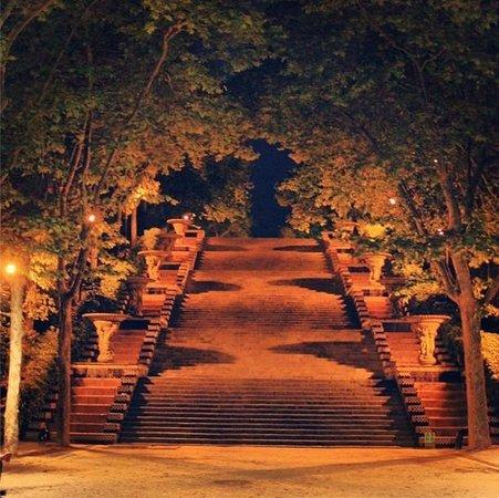 Montjuic Castle: Ближе к площади Испании (ближайшее метро) шикарные виды