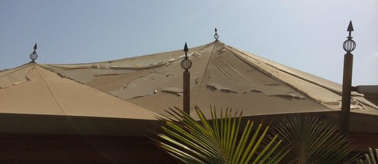 Banyan Tree Ras Al Khaimah Beach: Our villa's roof