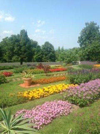Mohonk Mountain House: gardens