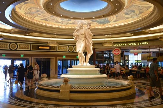 Caesars Palace: Hall