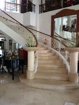 The Mansion Resort Hotel & Spa: Entrance