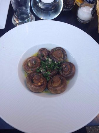 Sardegna: Mushroom starter.