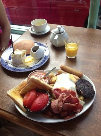 The Corner Cafe: large cooked breakfast and maple syrup pancakes