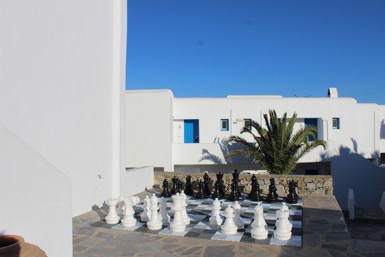 Myconian Ambassador Relais & Chateaux Hotel: Chessboard