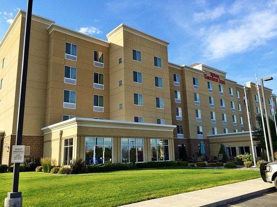 Hilton Garden Inn Billings: Outside of Hotel
