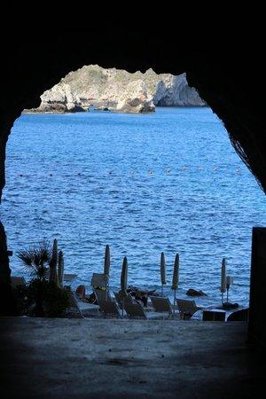 Atahotel Capotaormina: entrance to the beach