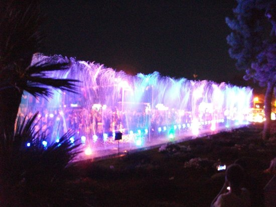 Harbour District/ Antalya Marina: Water Light & Music show in main square