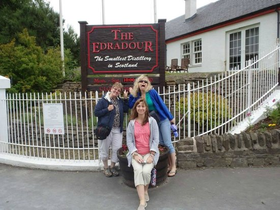 Edradour Distillery: Signage for the distillery