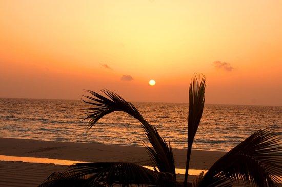 Sun Palace: Sunrises are beautiful!