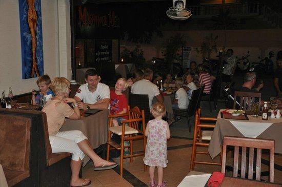Mamma Mia Grill & Restaurant Bangtao: Full House in Mamma Mia Bangtao