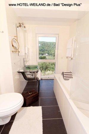 Badezimmer ausstattungsvariante design plus picture of for Design hotel pfalz