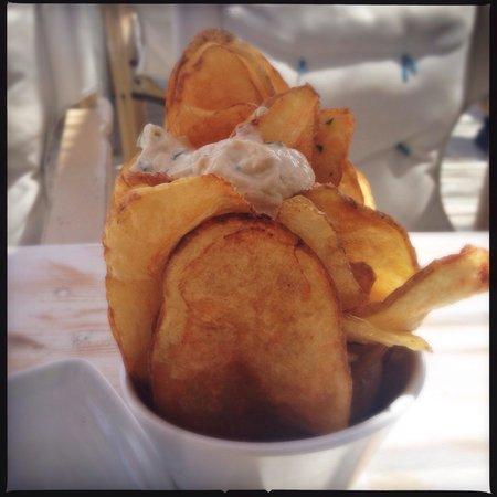 Aperanto Galazio : Patate fritte con salsa al formaggio