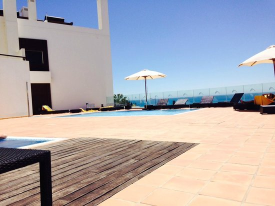 Belmar Spa & Beach Resort: The good... view from the pool area.