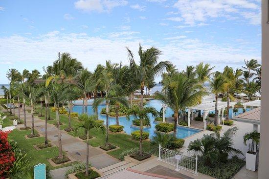Sugar Beach Golf & Spa Resort : giardino hotel
