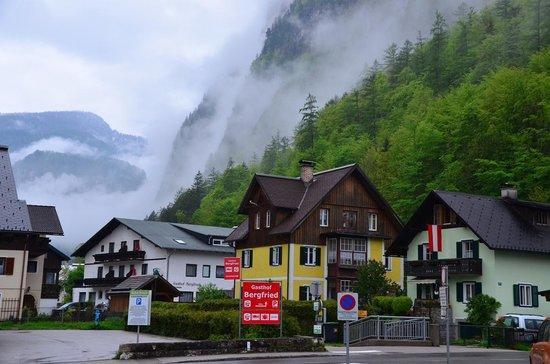 Hallstatt-Dachstein - Salzkammergut Cultural Landscape: バス停付近
