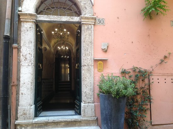 The Inn At The Roman Forum: The Invisible Front Door