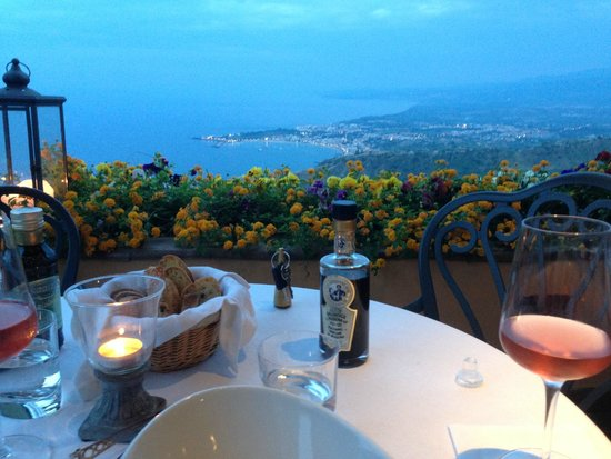 Hotel Villa Ducale: Dining on the terrace