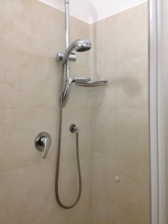 Hotel Eco Del Mare: Shower
