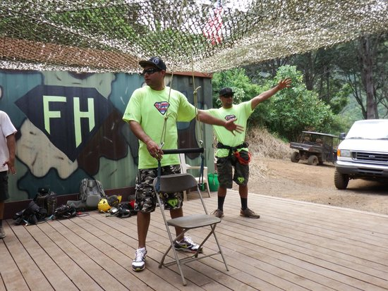 Flyin Hawaiian Zipline: Da local boys provide the intro