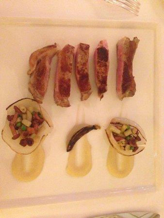 Le Clos du Cedre : Veal chop Perhaps the best dish of the evening.