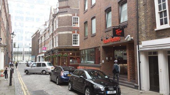Point A Hotel, London Liverpool Street: Tune Hotel - Liverpool Street