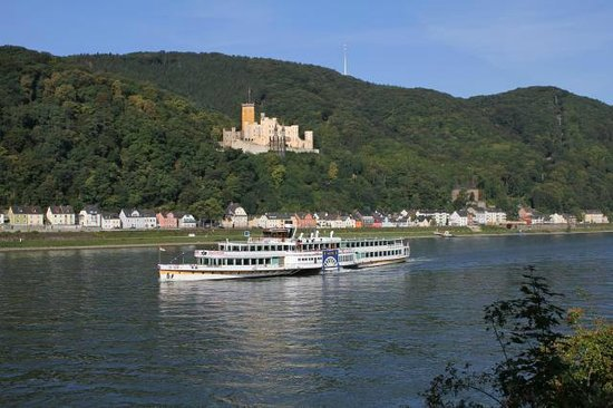 Hotel Weiland: Blick aus dem Gästezimmer auf Schloß Stolzenfelz und den Rhein