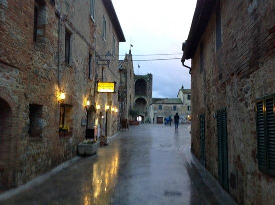 Fattoria Castello di Monteriggioni: Monteriggioni