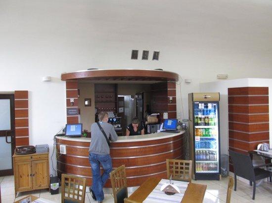 Kawiarnia pod Baszta: Serving area