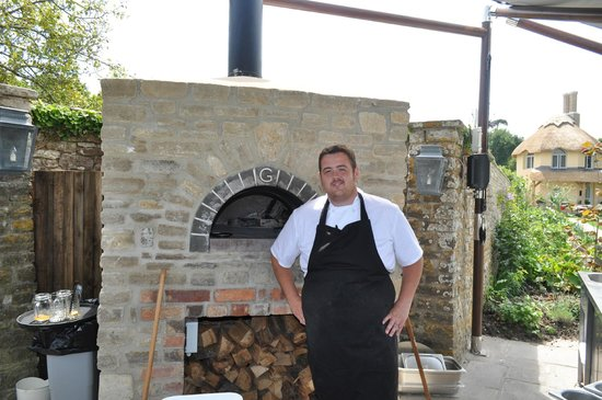 The Pig on the beach: chef and his oven