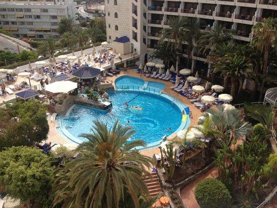 Seaside Sandy Beach : Pool