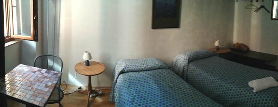 Juliette House: blue room