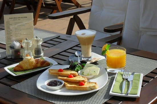 The Spinnaker: Breakfast with a view