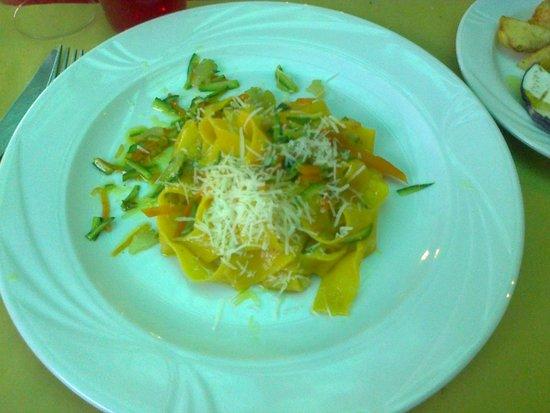 Agriturismo Rive Rosse: Pappardelle con verdura saltata