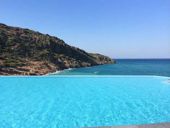 Daios Cove Luxury Resort & Villas: Main Pool Area