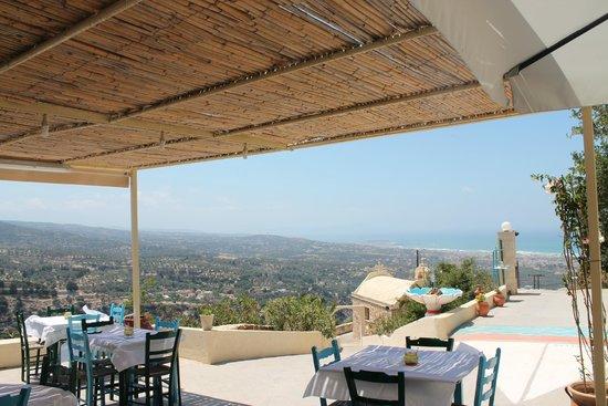 Thavma Coffee Drinks & Cretan food : *