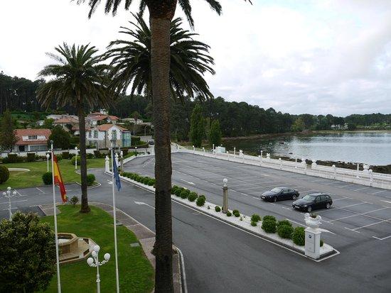 Eurostars Gran Hotel La Toja: Парковка