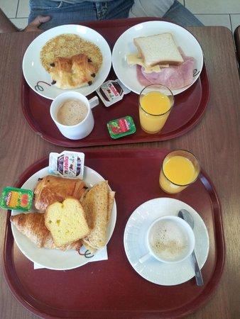 Campanile Epone: Petit Déjeuner 5€/pers.
