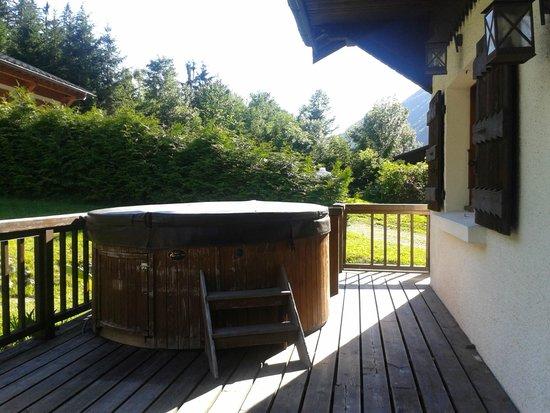 Chamonix Lodge: Jacuzzi en el porche