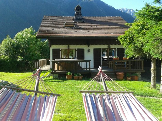 Chamonix Lodge: Chalet Mamouth desde el jardin
