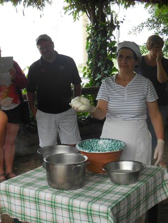 Le Colline di Sorrento: cheese making demonstration