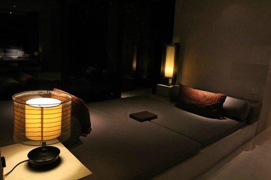 Alila Villas Uluwatu: Chaise At Night