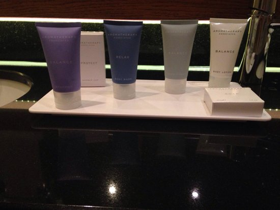 The Mere Golf Resort and Spa: Big 'mini' shower gels etc